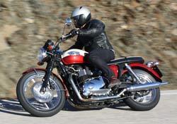 Prueba Triumph Bonneville T100: clásica con clase (image)
